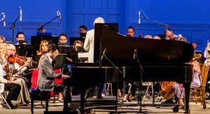 Pianist Steven Vanhauwaert performs Gershwin's Concerto in F